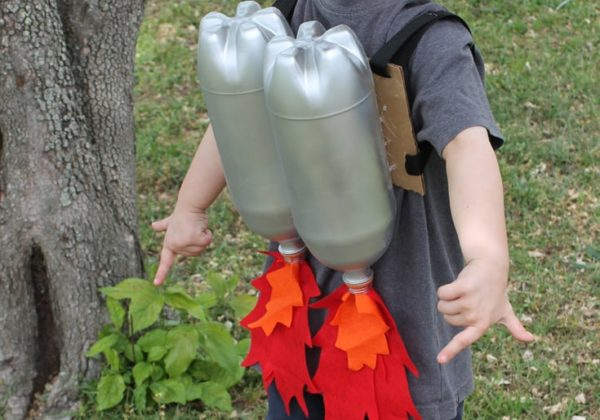 diy soda bottle rocket jet packs fun cheap upcycle little boy kids craft fun imagination (2)-min